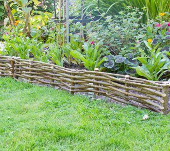 Bordure de jardin en noisetier tress h 15cm x l 2m 27 99 - Bordure jardin bois tresse ...