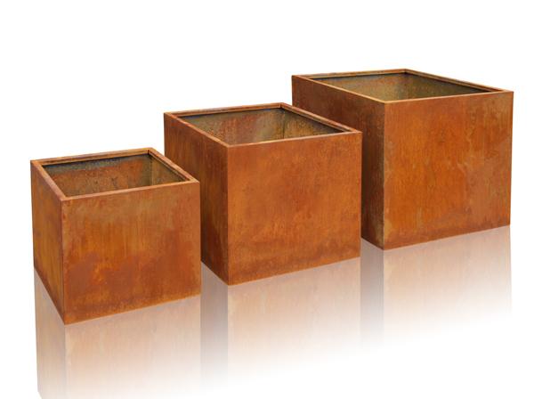 cache pot cube acier corten hauteur 40cm 129 99. Black Bedroom Furniture Sets. Home Design Ideas
