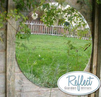 miroir de jardin circulaire en acrylique reflect 29 99. Black Bedroom Furniture Sets. Home Design Ideas
