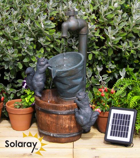 Fontaine d\'Extérieur Solaire Robinet Et Ecureuils 109,99 €