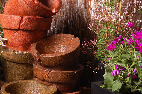 Classic Stone Effect Cracked And Stacked Pots Water Feature