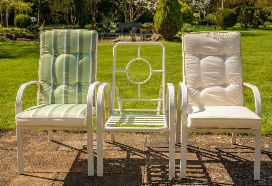 Salon de Jardin Hadleigh 6 Personnes avec Fauteuils Inclinables en Crème  par Hectare™