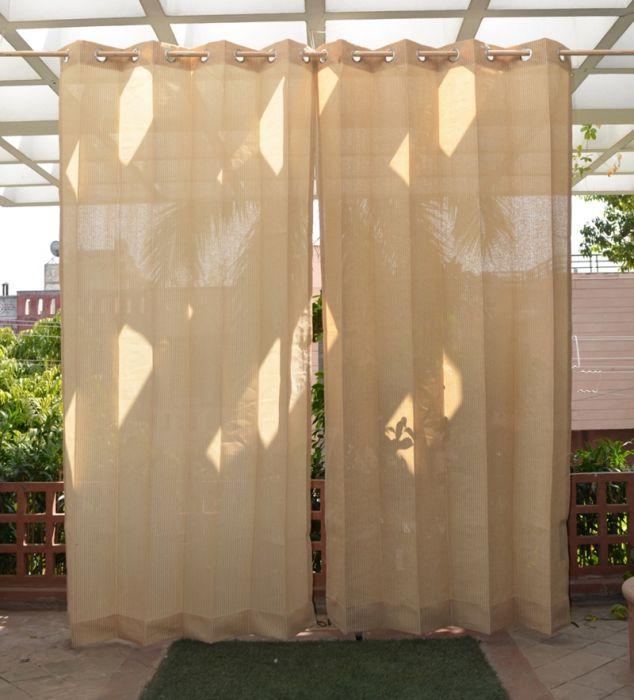 ensemble de deux rideaux d exterieur sable avec des oeillets en acier inoxydable 185g m2 tricote h 2 28m x l 1 37m