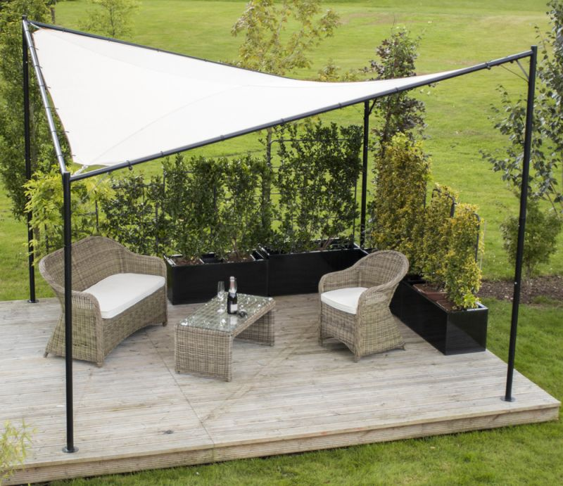 pergola kookaburra avec voile d 39 ombrage carr ivoire etanche structure et kit de fixation. Black Bedroom Furniture Sets. Home Design Ideas
