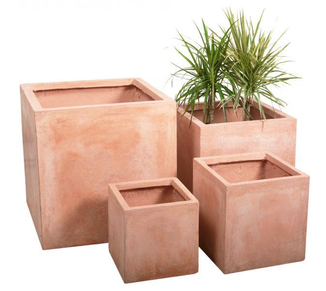 cache pot cubique lisse effet terre cuite grand 54 99. Black Bedroom Furniture Sets. Home Design Ideas
