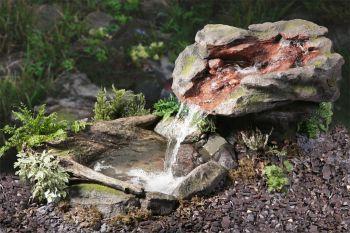 cascade chute d 39 eau utsuri avec bassin 599 99. Black Bedroom Furniture Sets. Home Design Ideas
